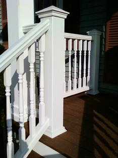 Trex artisan colonial railing in Villa Park. WWW.DUPAGEDECKS.COM It Looks great.