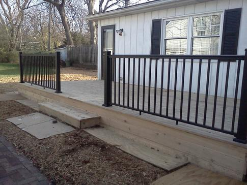Clarendon Hills Illinois deck contractor A-Affordable Decks of Lombard. In the photo a cedar deck with an aluminum (partial) railing