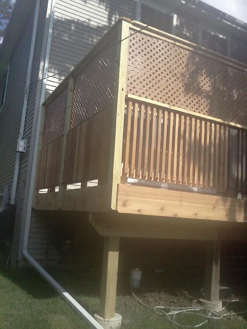 Cedar deck in Westmont, Illinois
